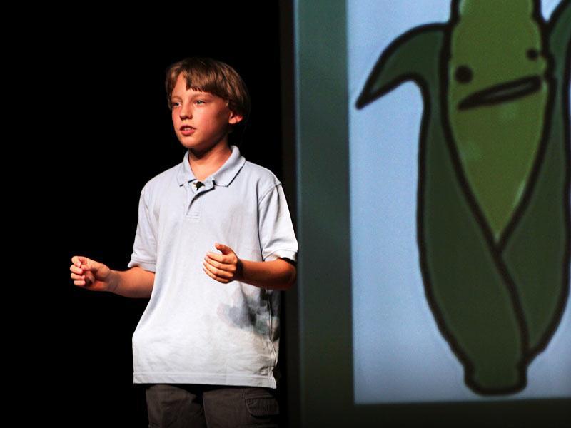 Birke Baehr de 11 años habla acerca de lo que está mal en el sistema alimentario