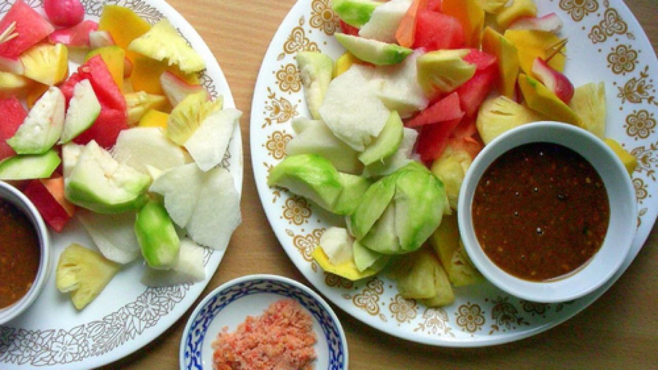 3 Resep untuk membuat rujak buah yang enak