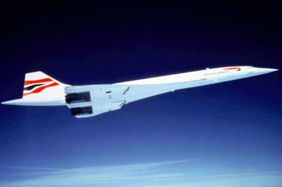 Later that year, British Airways started scheduling transatlantic flights between London and New York.