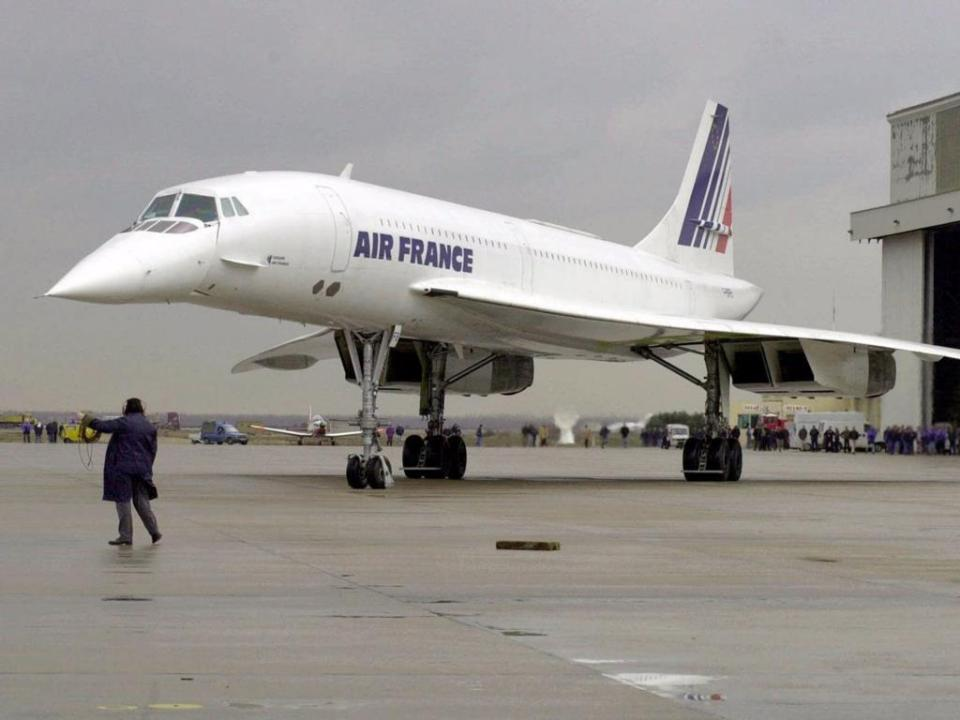 The Air France flight flew to Rio de Janeiro by way of Senegal, while the British Airways plane flew to Bahrain in the Persian Gulf.