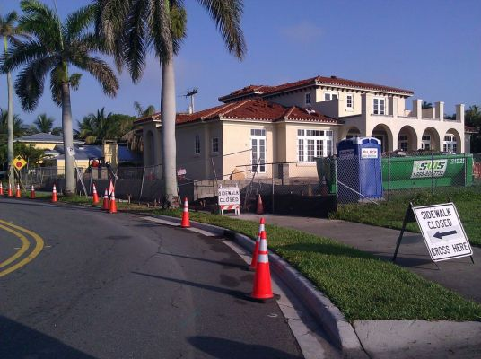 Sidewalk is closed in several places for new building