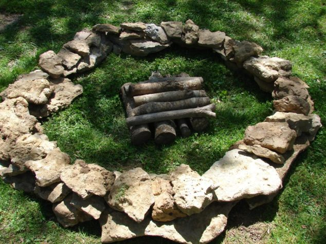 gardening with rocks, fire pit2