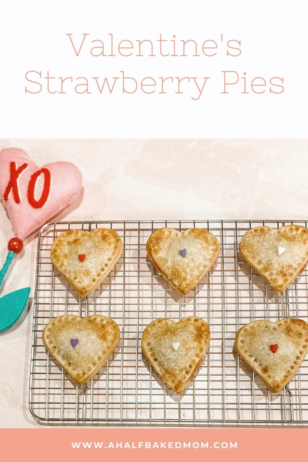 Valentine\'s Strawberry Pies