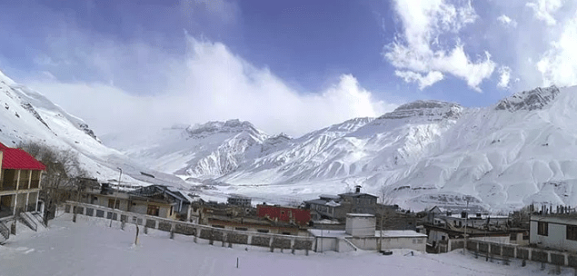 5 Reasons Why you should visit Ladakh during Winters