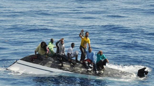 غرق 3 بحارة إثر انقلاب قارب للصيد بسواحل بوجدور