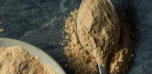 Dry Organic Maca Powder Superfood in a Bowl