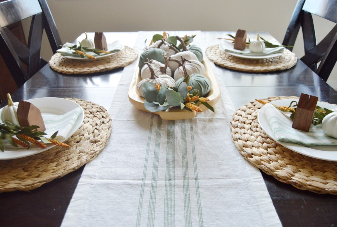 How to create a beautiful budget friendly Thanksgiving Table.
