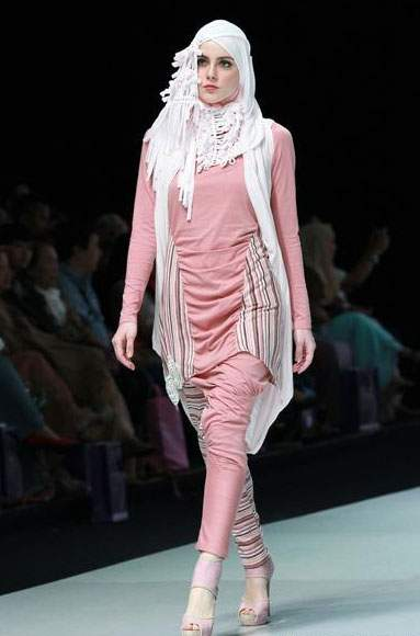 تشكيلة أزياء أنيقة وعصرية للمحجبات