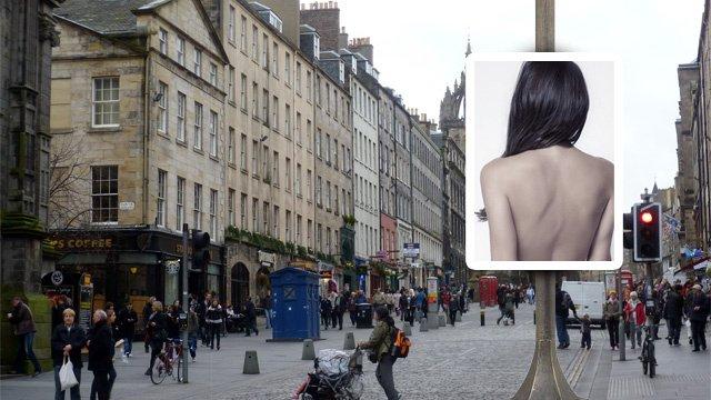 رجل بريطاني ينشر صور زوجته عارية في الشوارع بسبب الخيانة. والمحكمة تعتبره تدخلاً في الحياة الشخصية