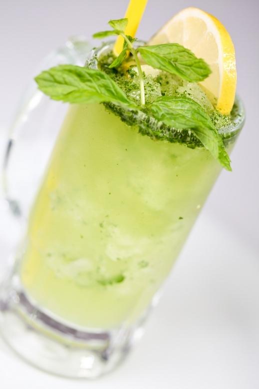 طريقة تحضير عصير الليمون بالصودا