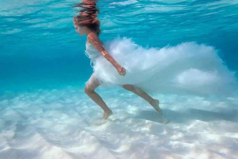 صور عرائس في الماء