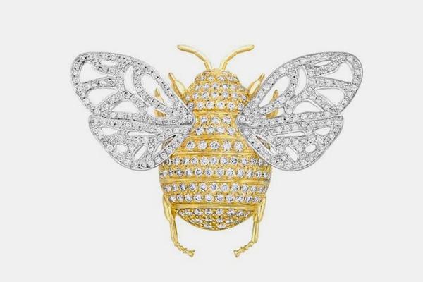 دبوس على شكل نحلة مرصع بالماس
