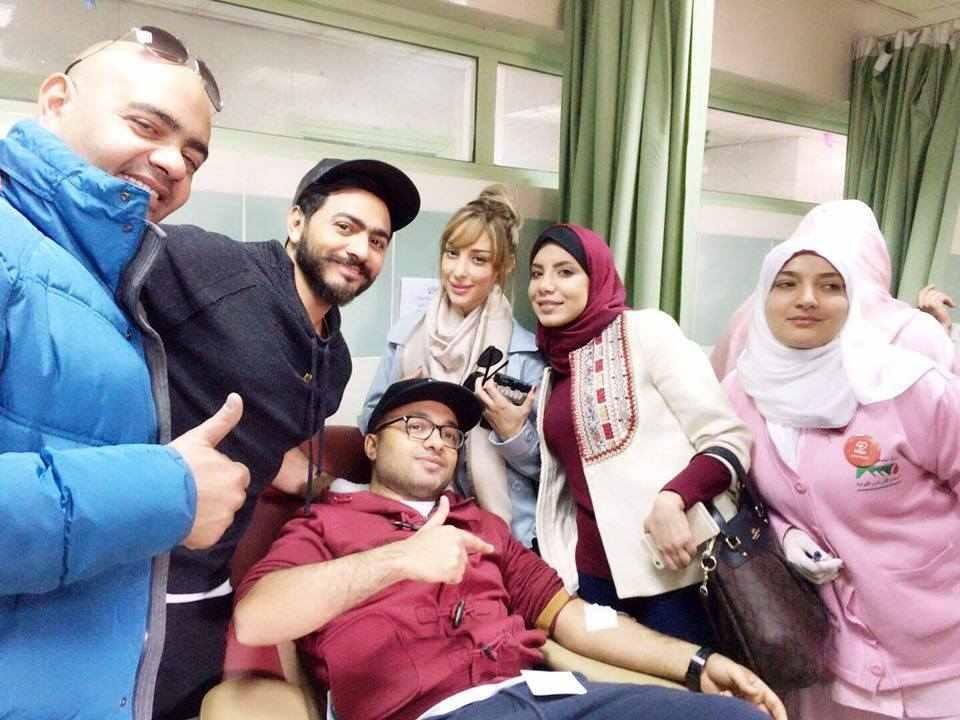 حملة التبرع بالدم مع تامر حسني