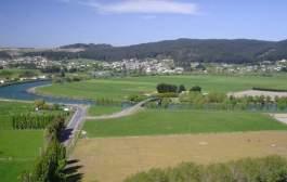 انتقل للعيش في بلدة صغيرة في نيوزيلندا واحصل على بيت ومزرعة مجاناً !