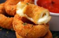 حلقات البصل بجبنة الموزريلا سهلة التحضير إليكم الطريقة