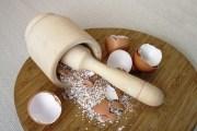 قشر البيض لتبييض الاسنان