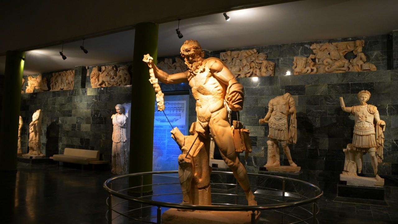 نتيجة بحث الصور عن متحف الانيا الأثري