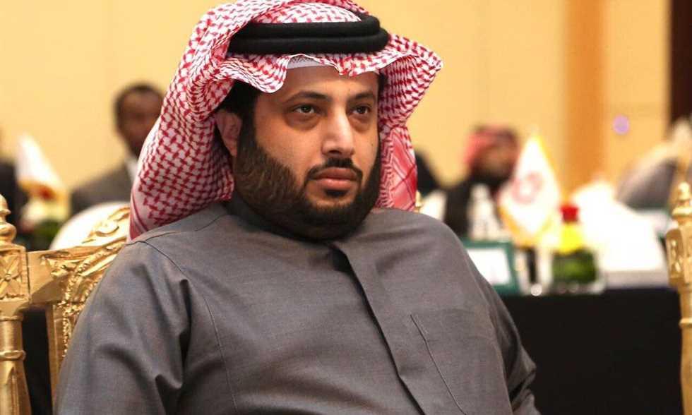 تركي أل الشيخ يعرض المساهمة في علاج محمد محمود في اي مكان في العالم