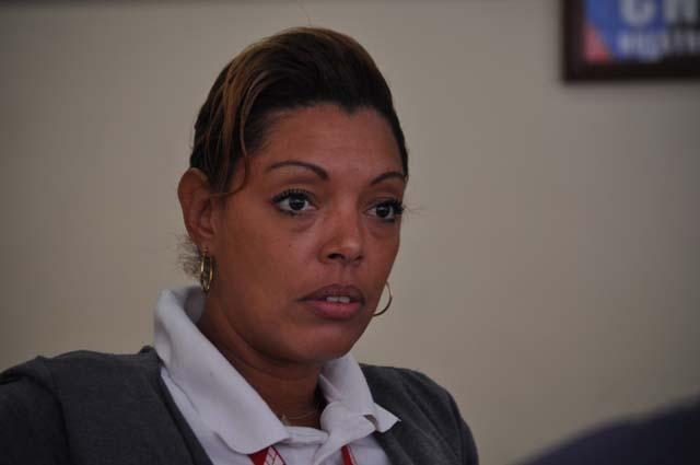 Yoanka Acosta, comercial de la empresa Cubana de Aviación. Foto: Elder Leyva
