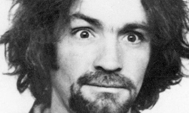 Charles Manson | Serial killer é internado em estado grave