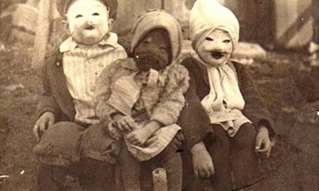 Confira fotos de fantasias antigas de Halloween que vão te dar pesadelos
