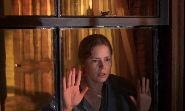 Suspense psicológico 'A Mulher na Janela' chegou hoje na Netflix