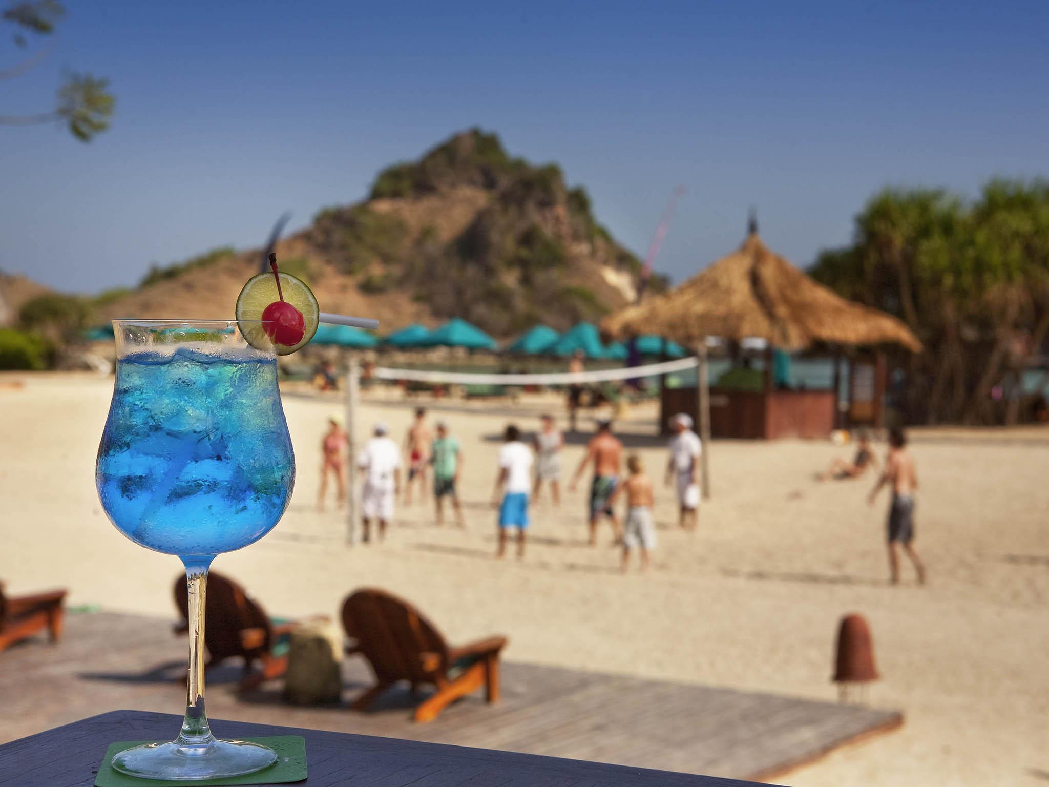 Bar - Novotel Lombok Resort & Villas