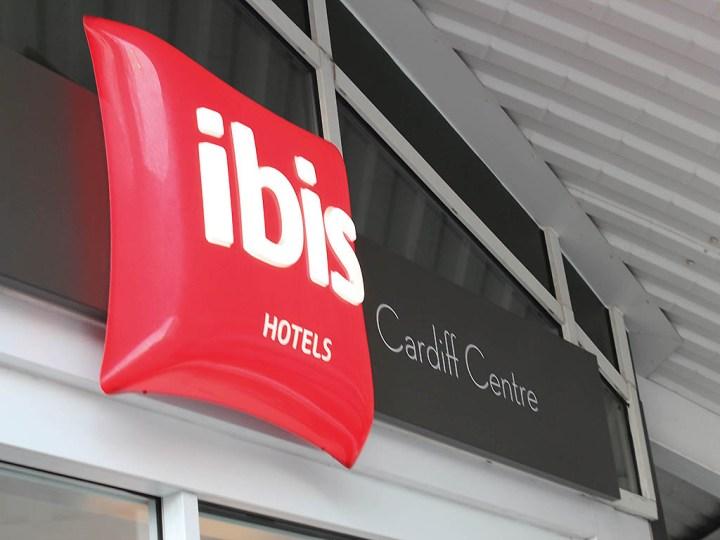hotel in cardiff - ibis cardiff - accor