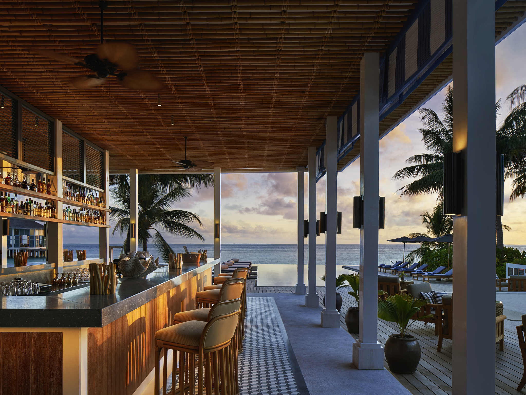 hotel in meradhoo island - dhevanafushi maldives luxury resort