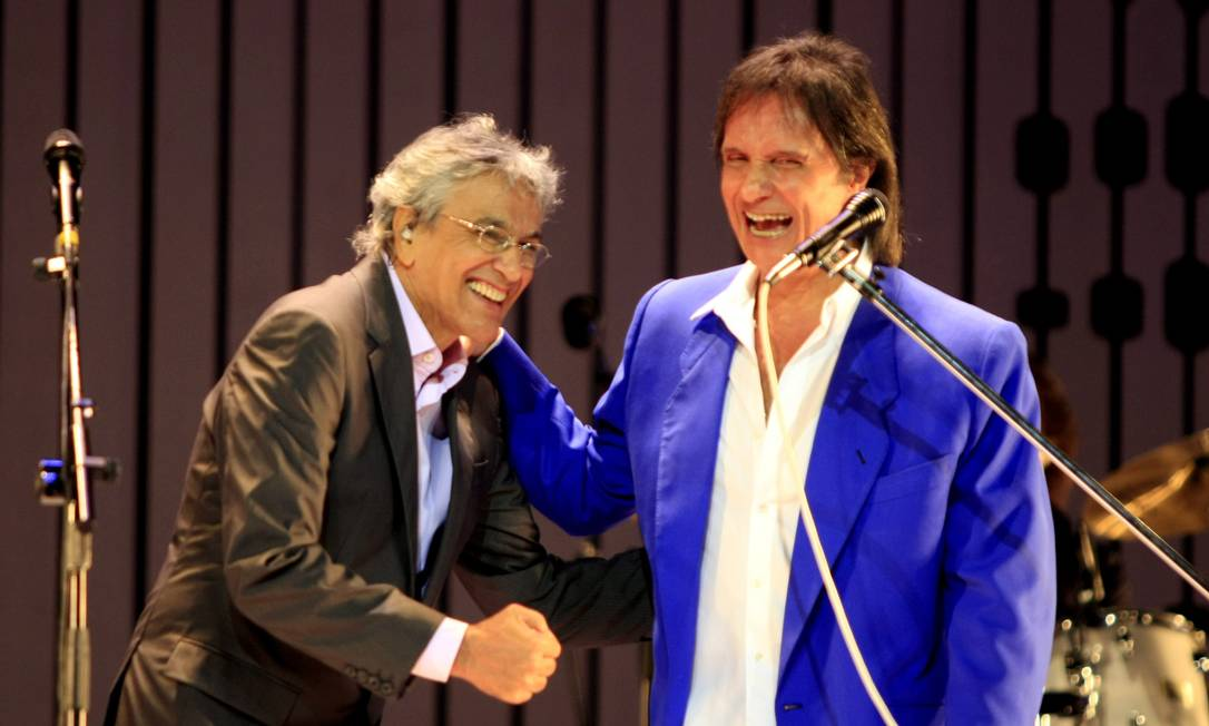 Esfera Roberto Carlos e Caetano Veloso
