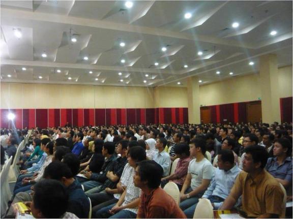 Suasana Seminar Cipto Junaedy
