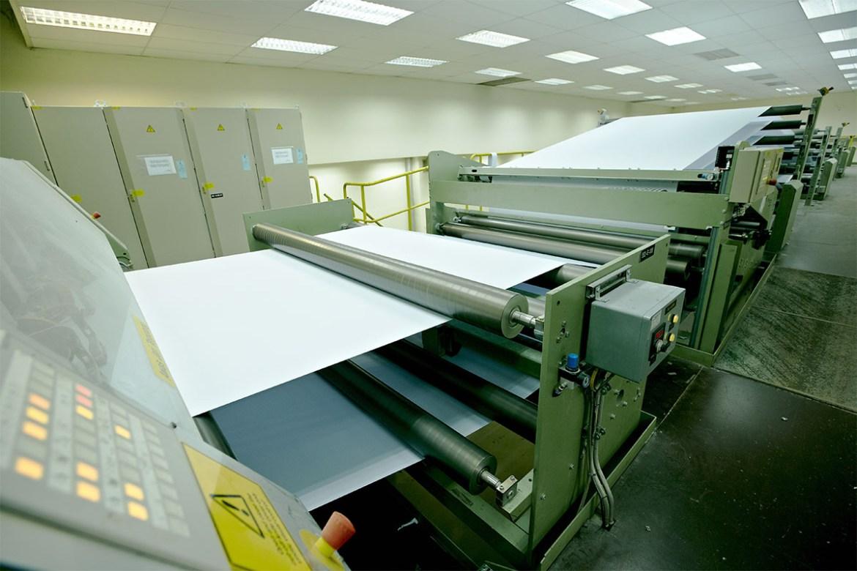 industri pulp dan kertas global