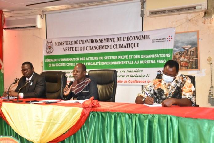 Une étude sur la fiscalité environnementale expliquée aux acteurs nationaux