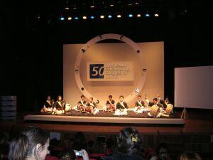 Zespół Sa-mul-no-ri wita delegatów na Kongres