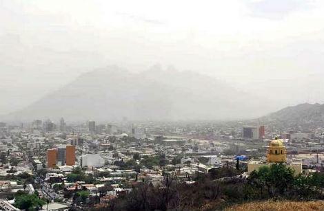 Foto: Monterrey, una de las ciudades con el aire más contaminado según el Clean Air Institute. Fuente: El Norte/redesquintopoder.com