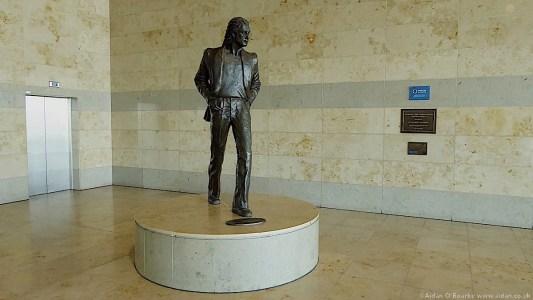 01b-John Lennon Statue, Liverpool Airport