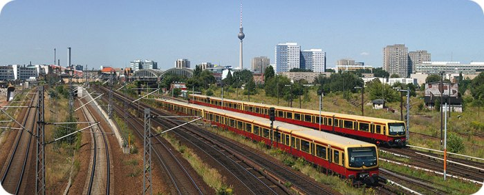 Berlin railway panorama from Warschauer Straße - Photo by Aidan O'Rourke