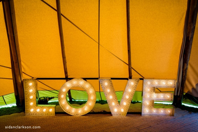 wedding tipi in lincolnshire