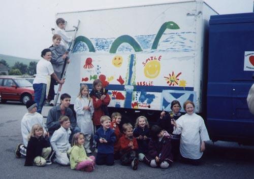 Aberdeenshire kids painting truck