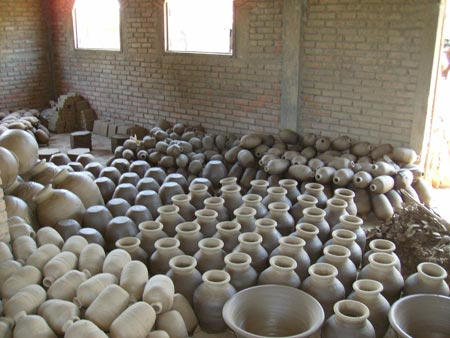Pottery drying prior to being fired, Lori, Haiti