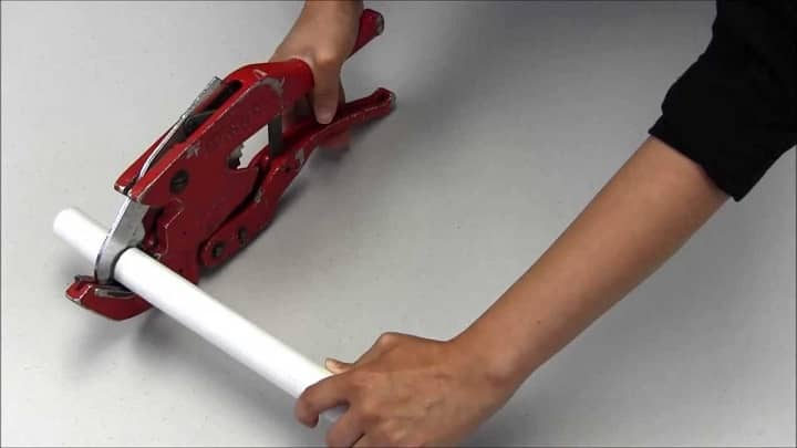 How to Use PVC Pipe Cutter
