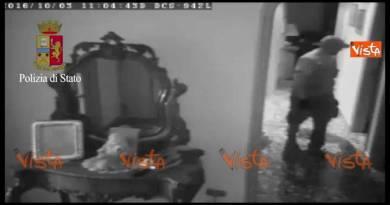 Ladro arrestato dalla Polizia grazie a videosorveglianza condominale