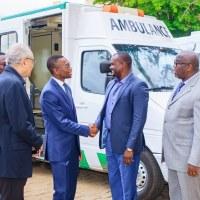 BENIN: AIMES AFRIQUE fait don d'une ambulance au Ministère de la Santé par le truchement du Représentant de l'OMS Bénin