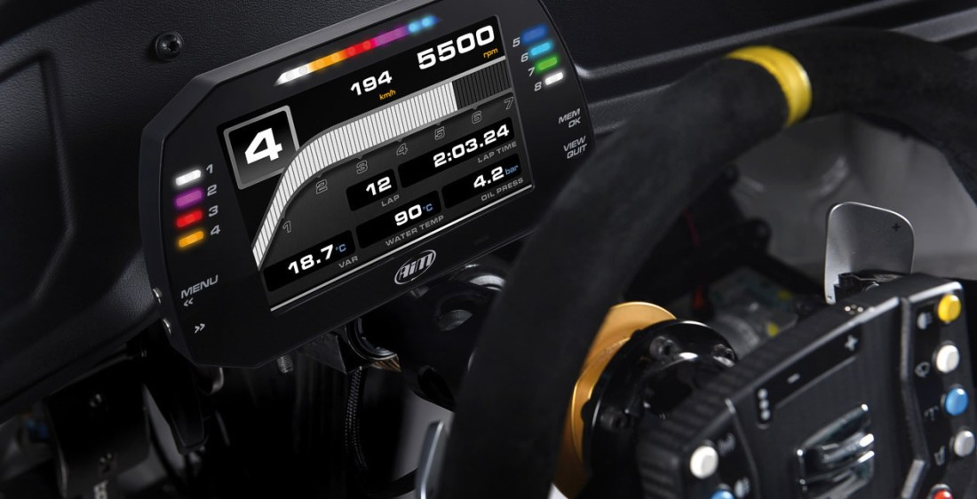 Aim MXS Strada 1.2 shows, together with RPM scale, all the data you need