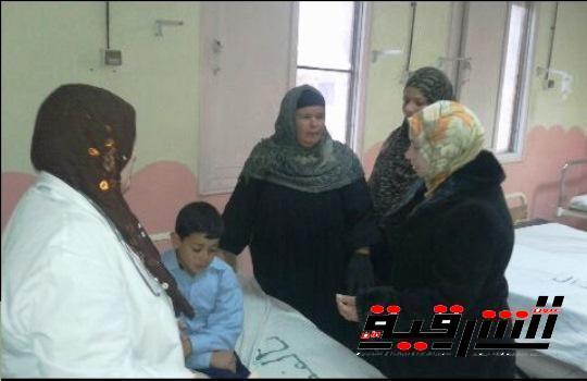 بالصور..رئيس مدينة القنايات فى زيارة مفاجئة للمستشفى المركزى