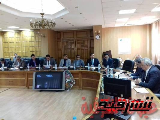 محافظ الشرقية يجتمع بلجنة متابعة المشروعات القومية برئاسة مجلس الوزراء