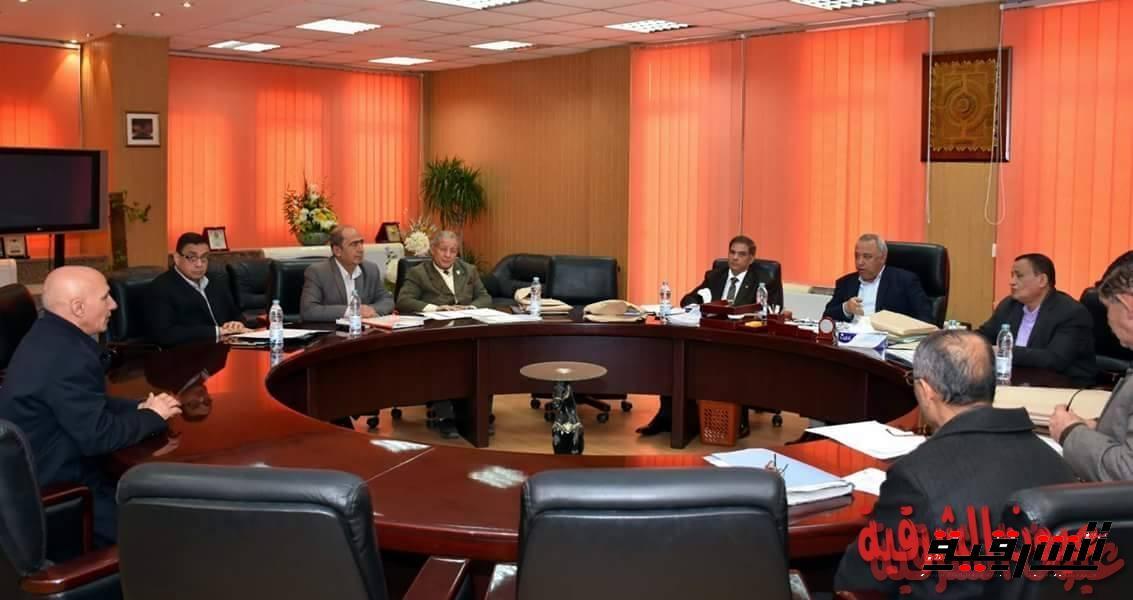محافظ الشرقية يترأس لجنة اختبارات لاختيار الوظائف القيادية