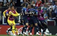 منتخب فرنسا يتوج بلقب كأس العالم برباعية في شباك كرواتيا