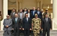 محافظ ومدير أمن الشرقية يهنئان قائد وحدات الصاعقة بالذكرى الــ 45 لإنتصارات أكتوبر