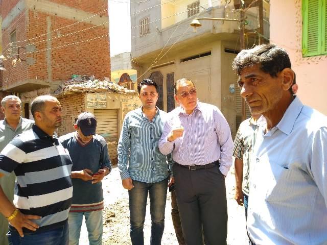 محافظ الشرقية : لن أغادر قرية أنشاص البصل إلا بعد التأكد و الإنتهاء من حل مشكلة الصرف الصحي